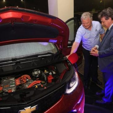 General Motors instala ponto para abastecimento de carros elétricos em Joinville