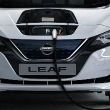 Dá para recarregar um carro elétrico na tomada da sua casa?