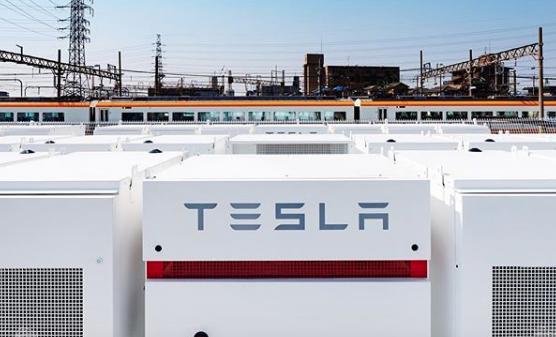Tesla começará a produzir caminhões em massa